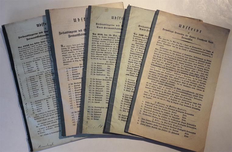 UDSKRIVT AF FORHANDLINGERNE VED SØNDRE TRONDHJEMS AMTS-FORMANDSKABSMØDE.  Aarene 1838-1842.