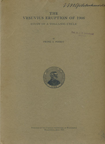The Vesuvius eruption of 1906. Study of a volcanic cycle.
