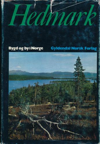 HEDMARK.  Under redaksjon av Sigmund Moren.