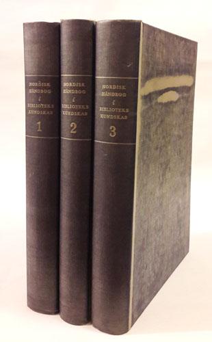 Nordisk håndbog i bibliotekskundskab. Udgivet af Nordisk Videnskabeligt Bibliotekarforbund under redaktion af -.